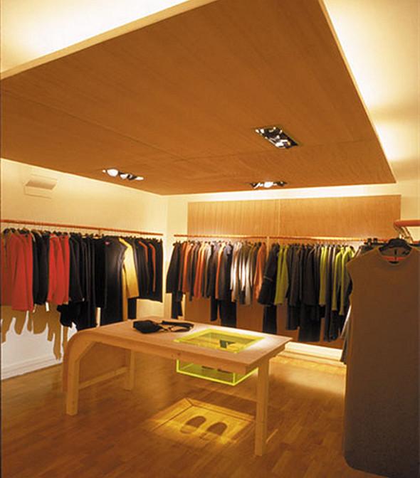 服装店欧式石膏板造型墙