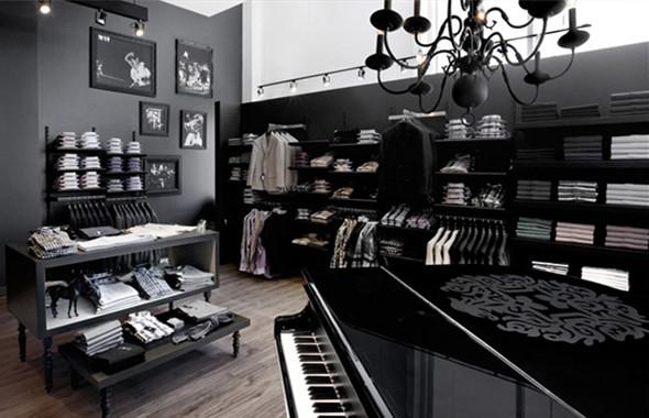 全黑色调的男装店面装修